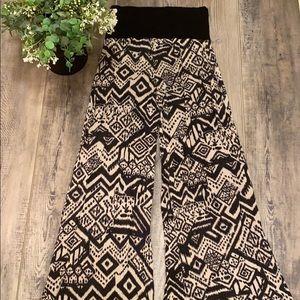 Stretchy Aztec pattern flare leg pants